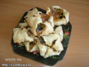 Грибной обед. Слойка с сыром и грибами.